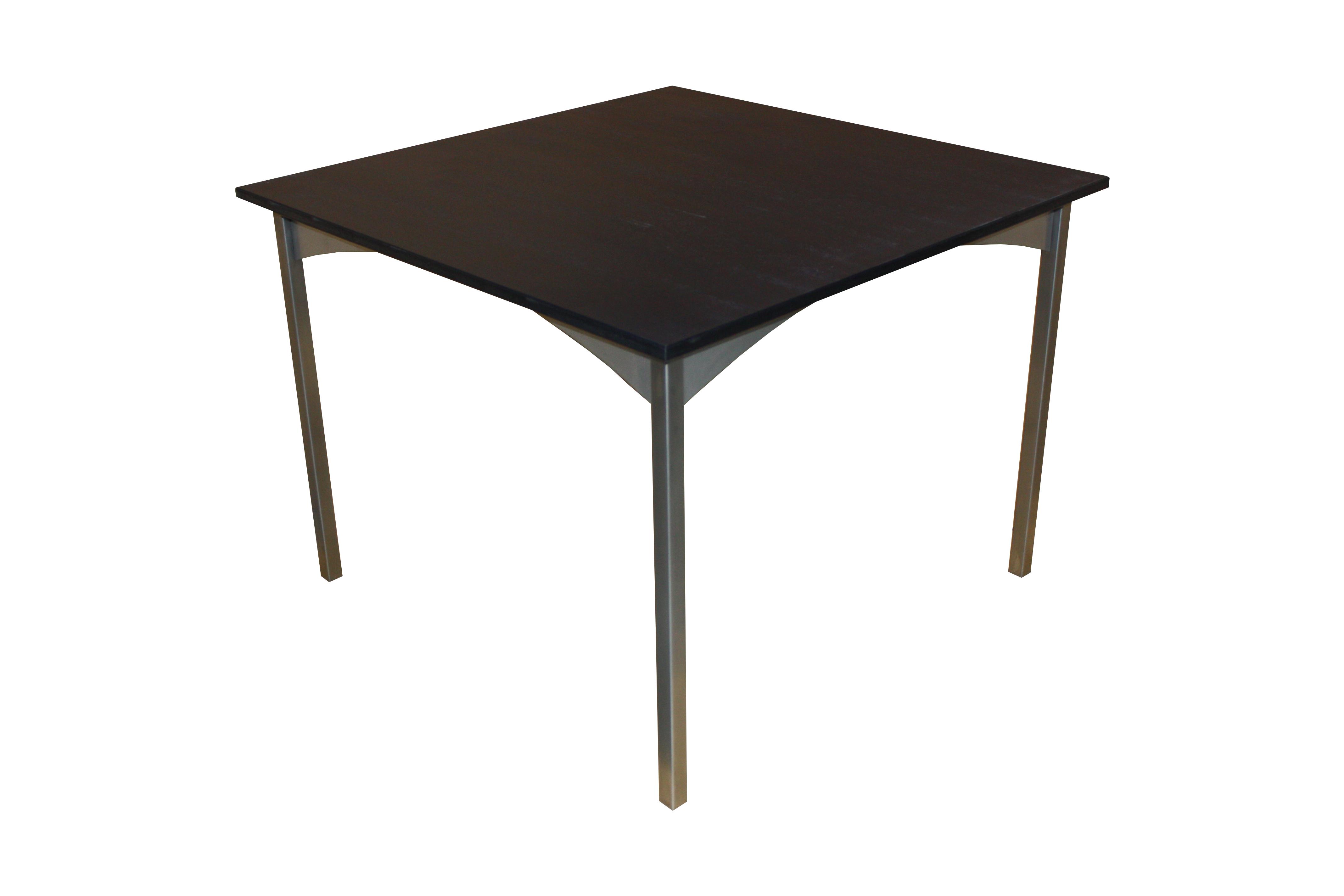 Schwarzer tisch gallery of runder schwarzer kaffeetisch for Kleiner schwarzer tisch
